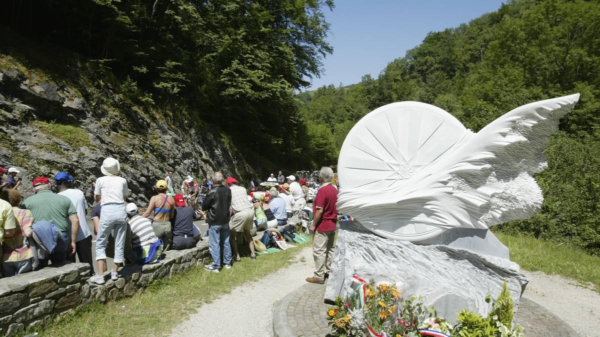 Ein Denkmal weist heute auf die Todesstelle von Fabio Casartelli hin