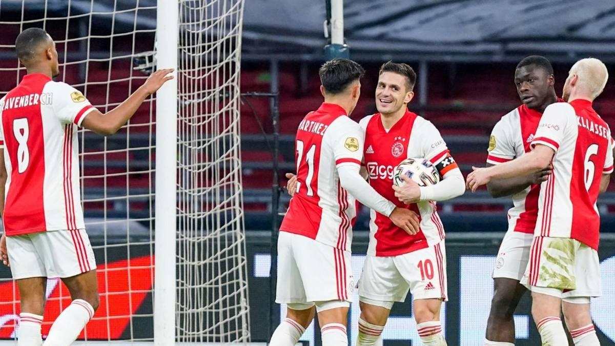Kantersieg! Ajax vorzeitig Meister