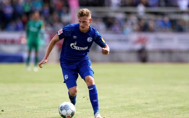 Schalke 04: Rabbi Matondo und Jonas Carls reisen aus Trainingslager ab , Schalke-Neuzugang Jonas Carls hat sich gegen Bologna verletzt