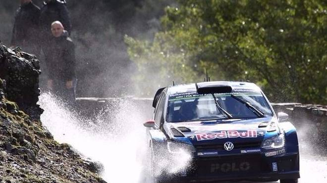 Jari-Matti Latvala übernahm am Samstag auf Korsika die Spitze