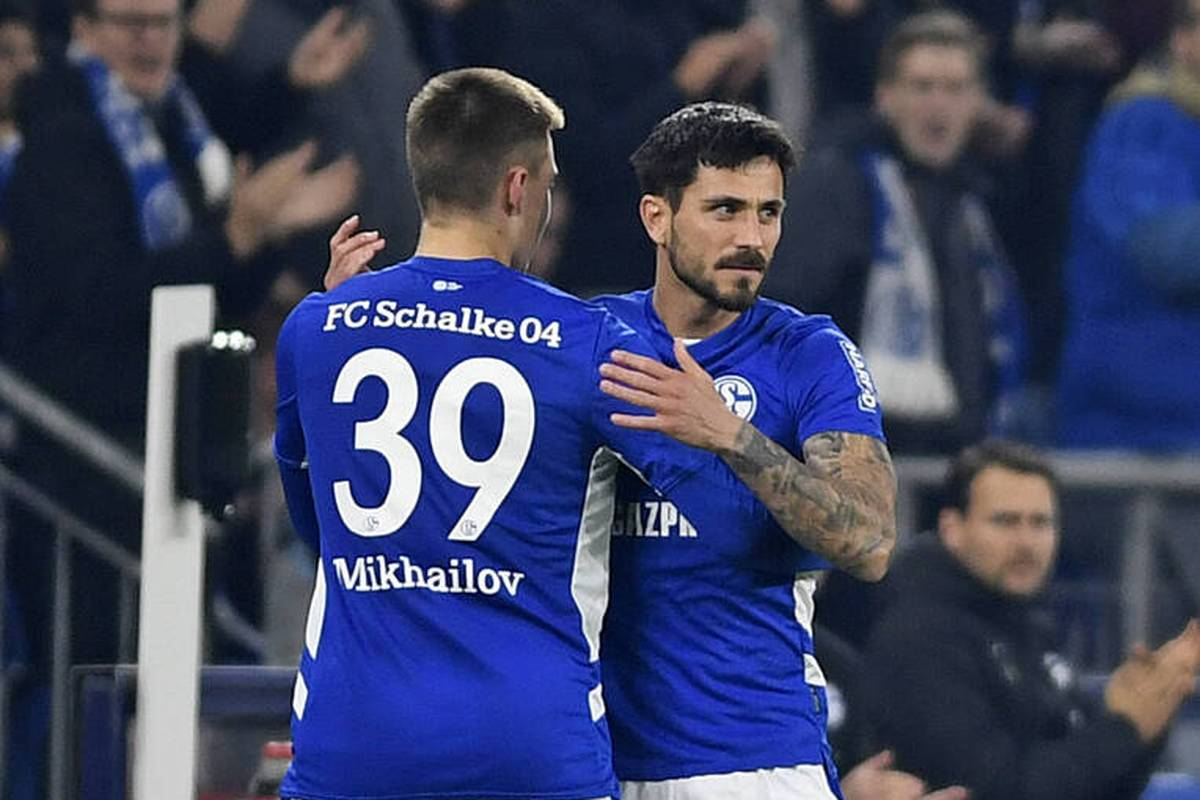 Der FC Schalke 04 ist endgültig in der 2. Bundesliga angekommen. Mit einem deutlichen Heimerfolg gegen Dynamo Dresden setzt sich Königsblau in der Tabellenspitze fest.