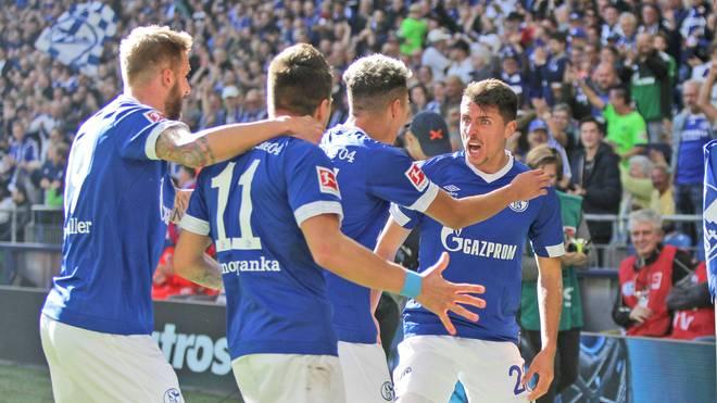 Alessandro Schöpf (r.) erzielte für Schalke den Siegtreffer