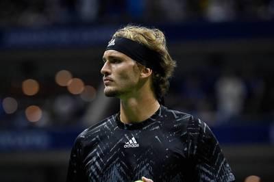 Im Tennis läuft es für Alexander Zverev aktuell. Nun wagte sich der Olympiasieger auf neues Terrain. Ohne Erfolg.