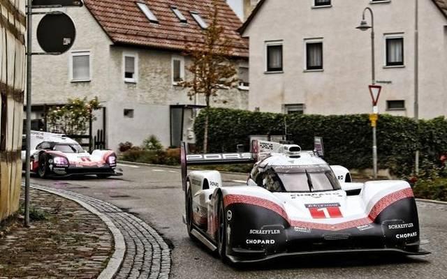 Mark Webber und Marc Lieb auf letzter Fahrt mit den Porsche 919 Hybrid