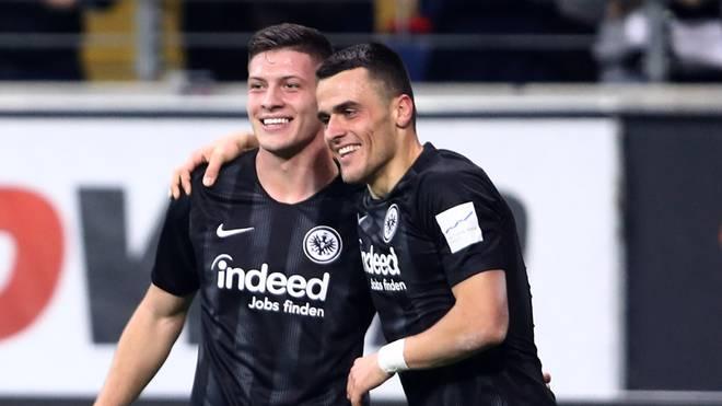 Luka Jovic (l.) und Filip Kostic sind bei Eintracht Frankfurt ein Erfolgsduo