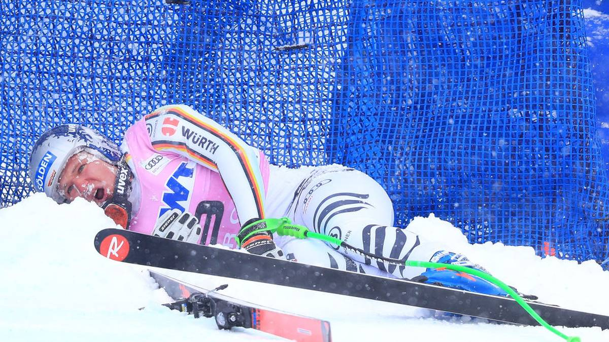 BEAVER CREEK, CO - NOVEMBER 30:  Thomas Dressen of Germany crashes during the Audi FIS Alpine Ski World Cup Men's Downhill on on November 30, 2018 in Beaver Creek, Colorado.  (Photo by Tom Pennington/Getty Images)