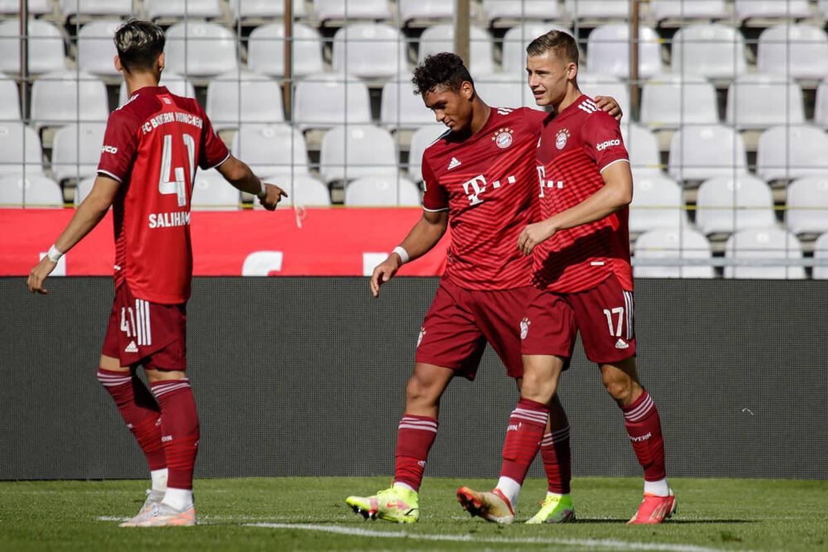 Die zweite Mannschaft des FC Bayern ist in der Regionalliga Bayern zurück an der Tabellenspitze. Die Roten feiern nach einer kleinen Durststrecke einen ungefährdeten Sieg.