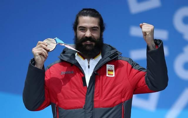 Regino Hernandez gewinnt im Snowboardcorss die Bronzemedaille