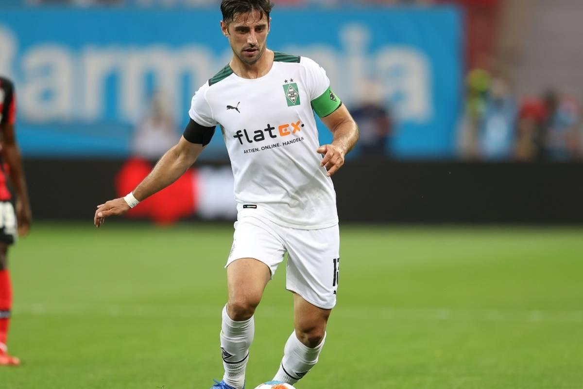 Nationalspieler Lars Stindl von Borussia Mönchengladbach fordert die Fußball-Nationen auf, die Probleme im WM-Gastgeberland Katar klar zu benennen.