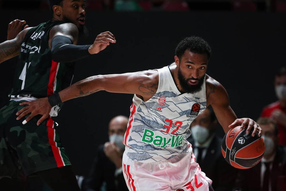 ALBA Berlin kassiert nach dem ersten Sieg in der EuroLeague wieder einen Dämpfer. Die Bayern laufen dem ersten Sieg immer noch hinterher.