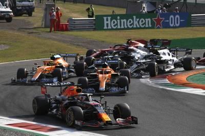Beim Sprint Qualifying der Formel 1 in Monza geht es früh spektakulär zu. Lewis Hamilton ist einer der Verlierer.