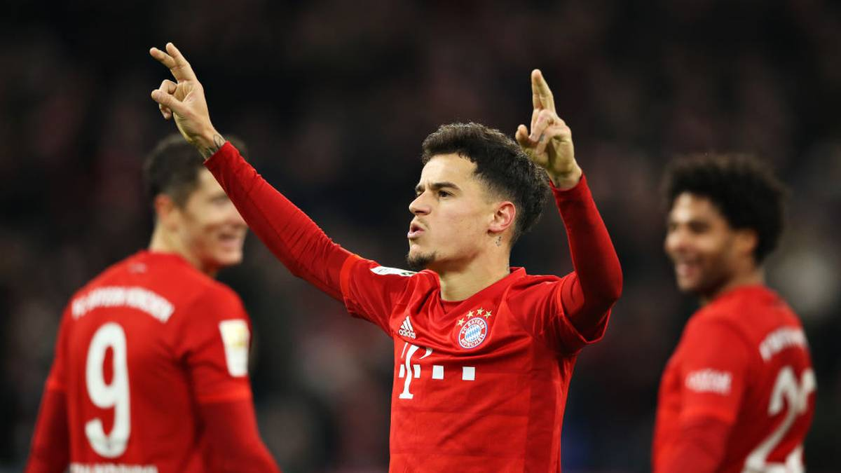 MUNICH, GERMANY - DECEMBER 14: Philippe Coutinho of FC Bayern Muenchen celebrates scoring his sides sixth goal during the Bundesliga match between FC Bayern Muenchen and SV Werder Bremen at Allianz Arena on December 14, 2019 in Munich, Germany. (Photo by Alexander Hassenstein/Bongarts/Getty Images)