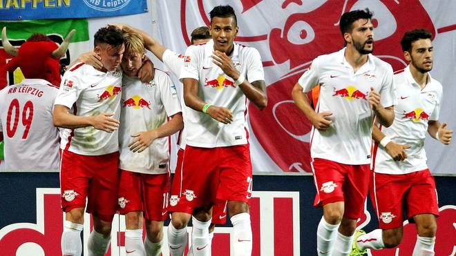 Emil Forsberg (2.v.l.) glich für RB Leipzig in der 74. Minute aus