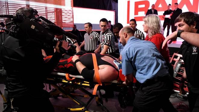 Ein Match bei WWE Monday Night RAW nahm ein böses Ende für Kane