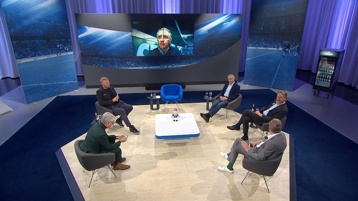 Im CHECk24 Doppelpass spricht Frank Baumann über den Abstieg von Werder Bremen. Dabei kommt es zwischen dem Werder-Boss und Experte Stefan Effenberg zu einer Frotzelei.