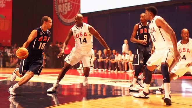 Bei der WM 2010 kreuzten sich die Wege von Stephen Curry (l.) und Kevin Durant (M., Nr. 5) erstmals