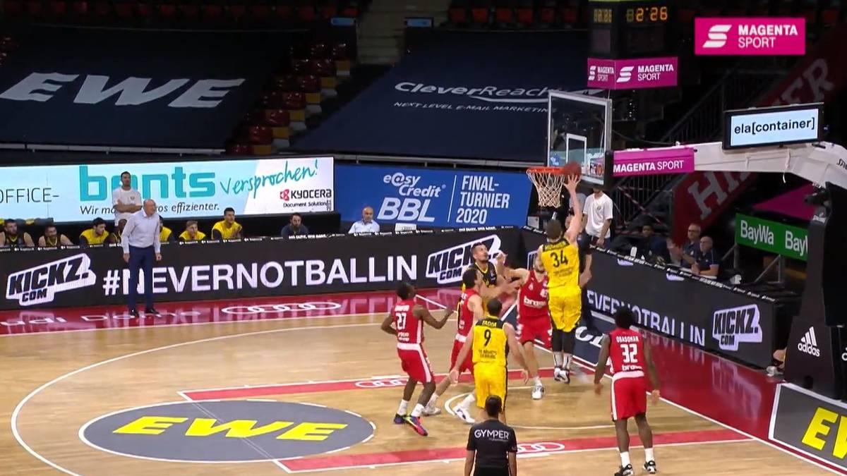 Die EWE Baskets Oldenburg stehen bei Finalturnier der easycredit BBl im Halbfinale. Die Niedersachsen kommen im Rückspiel gegen Bamberg nie in Probleme.