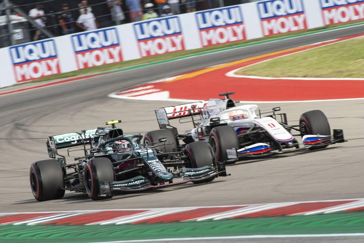 Sebastian Vettel hadert beim GP der USA mit einem für ihn sehr speziellen Qualifying. Red Bull gerät nicht nur wegen Verstappen ins Schwärmen. Die Stimmen.