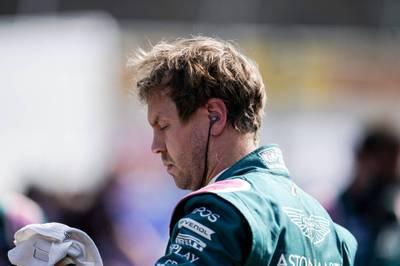 Sebastian Vettel verlängert seinen Vertrag bei Aston Martin und bleibt der Formel 1 erhalten. Ralf Schumacher ist froh über die Entscheidung.