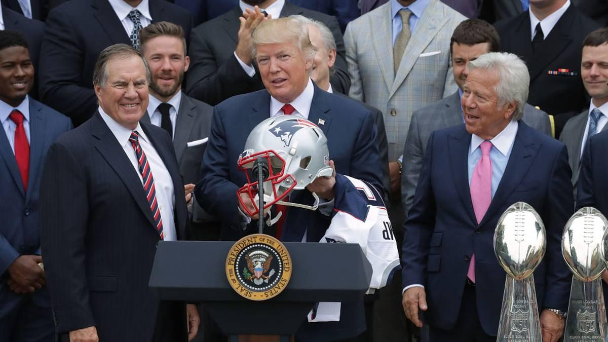 Donald Trump beim Besuch der New England Patriots nach ihrem Super-Bowl-Triumph der Saison 2018