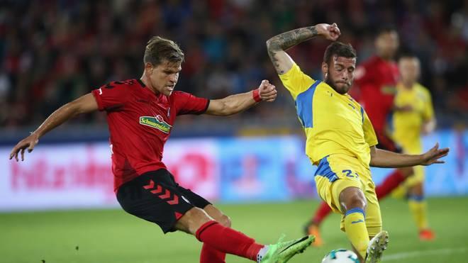 Miha Blazic (r.) spielte mit Domzale in der Qualifikation zur Europa League gegen den SC Freiburg
