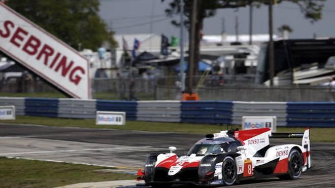 Alonso/Buemi/Nakajima liegen in Sebring nach einer Stunde in Front
