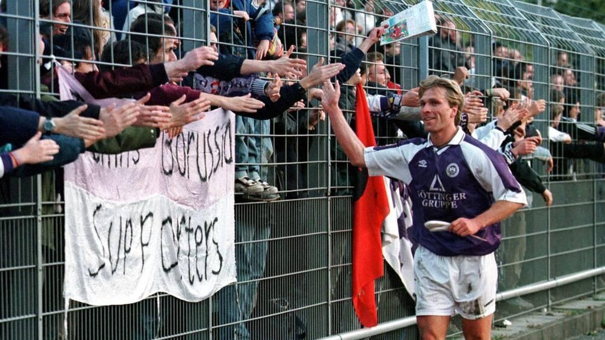 Ansgar Brinkmann bedankt sich bei den Fans von Tennis Borussia Berlin