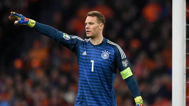 Manuel Neuer rutscht aufgrund der Verletzung von ter Stegen ins deutsche Tor