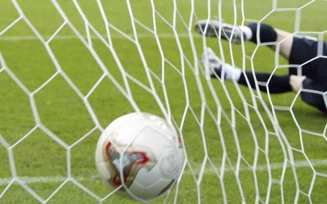 Im niederrheinischen Moers zappelte der Ball gleich 25 Mal im Netz des SV Schwafheim