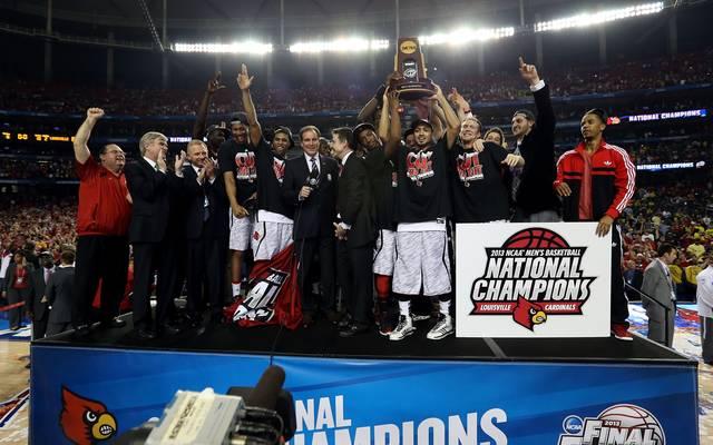Nach dem Finalsieg gegen Michigan feierten die Cardinals 2013 den Meistertitel