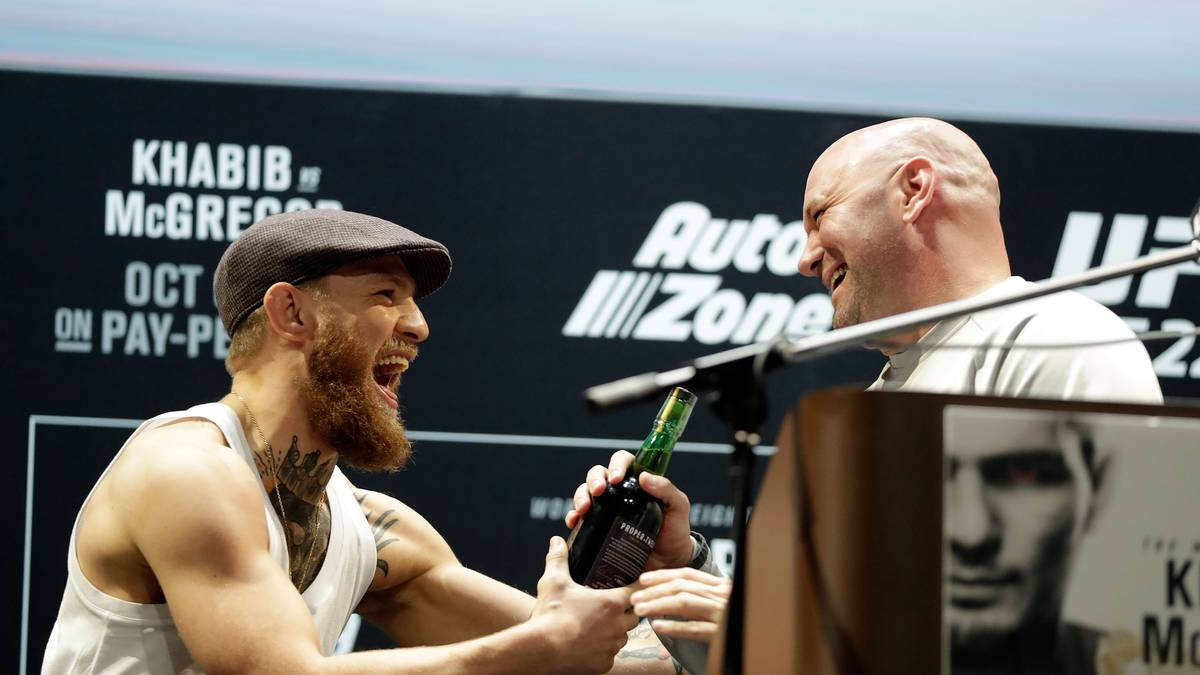 UFC-Boss Dana White (r.) hat mittlerweile auf die Rücktritts-Ankündigung von Conor McGregor reagiert