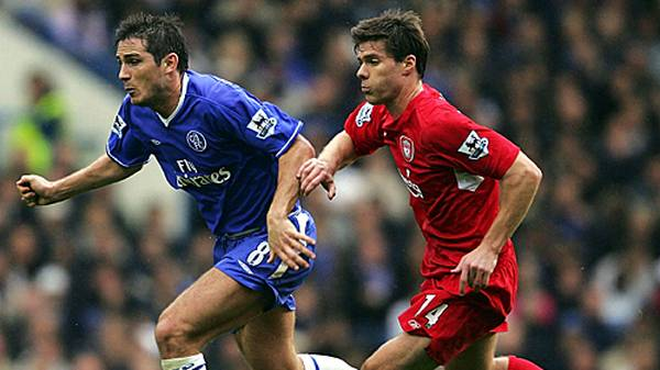 Nach fünf Jahren in Spaniens erster Liga folgt der Sprung auf die Insel. Der FC Liverpool sichert sich 2004 die Dienste des Mittelfeldstrategen, und bald stellt sich der Erfolg an der Anfield Road ein