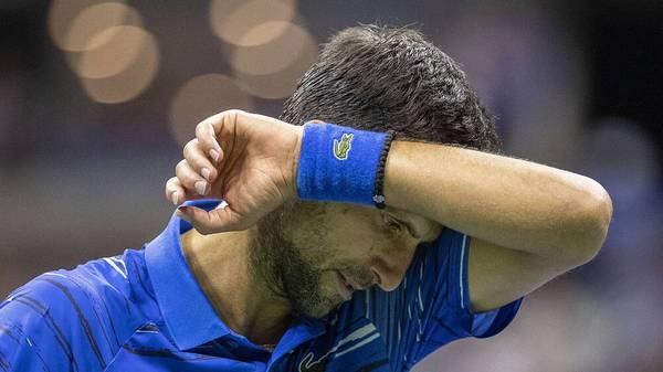 Novak Djokovic wird bei den US Open disqualifiziert