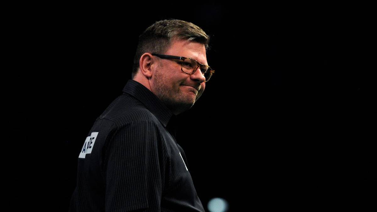 BIRMINGHAM, ENGLAND - APRIL 25: James Wade of England reacts following his match against Michael van Gerwen of the Netherlands during the 2019 Unibet Premier League Darts at Arena Birmingham on April 25, 2019 in Birmingham, England. (Photo by Alex Burstow/Getty Images)