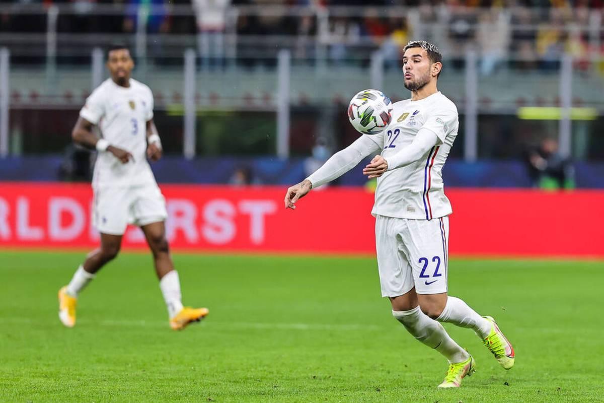Der französische Fußball-Nationalspieler Theo Hernandez vom italienischen Spitzenklub AC Mailand ist positiv auf das Coronavirus getestet worden.