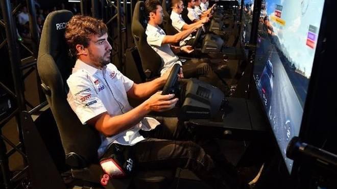 Fernando Alonso ließ seinen Teamkollegen im Simracing keine Chance