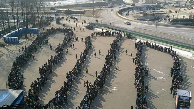 Tausende Fans standen stundenlang Schlange, um beim IEM dabei zu sein