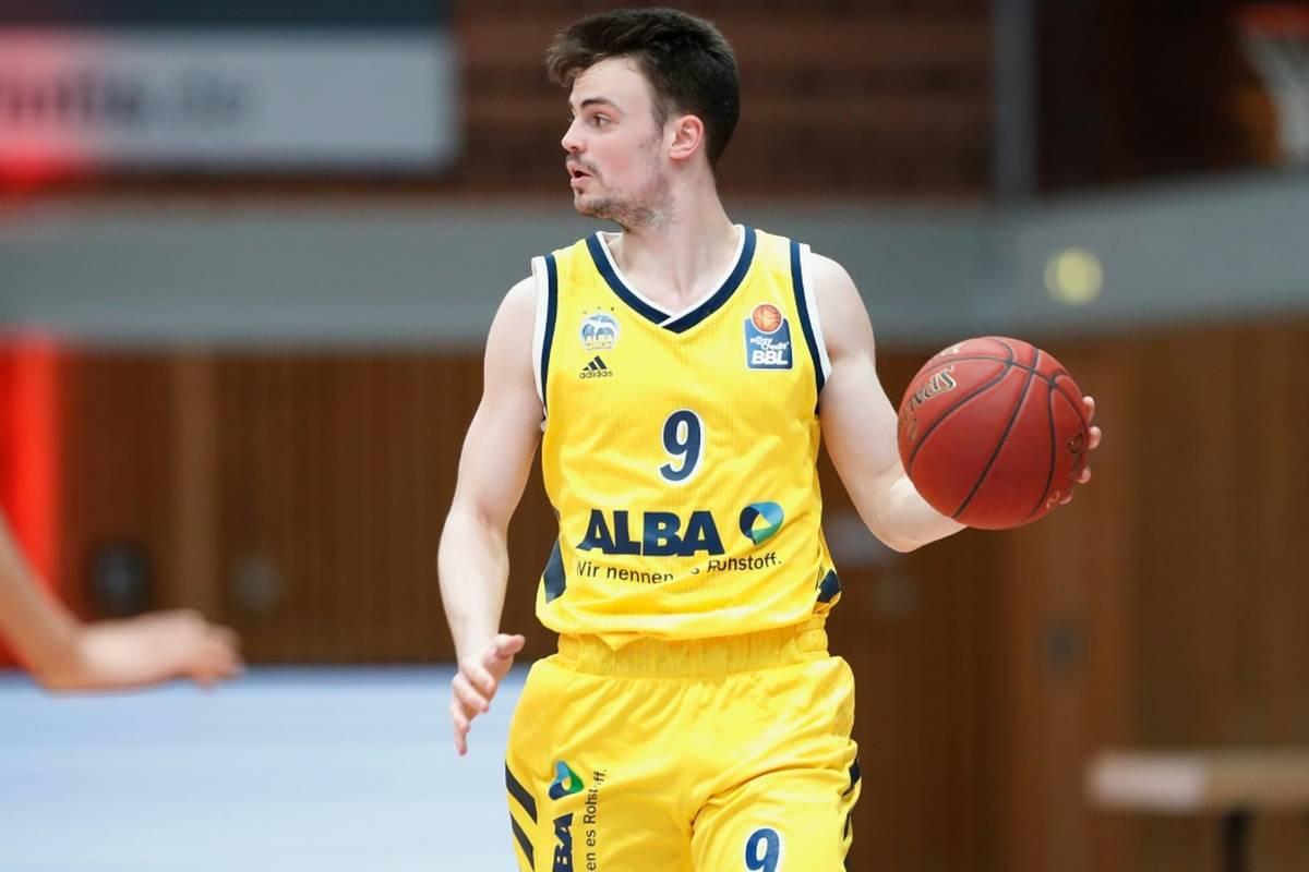 Alba Berlin hat dank einer starken ersten Hälfte den zweiten Sieg in der Basketball-EuroLeague eingefahren.
