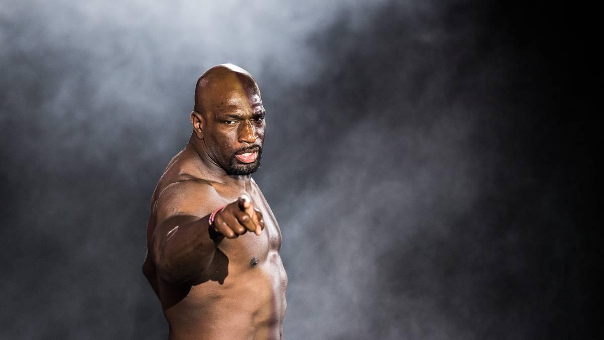 Auch WWE-Star Titus O'Neil vermisst bei Hulk Hogan echte Reue