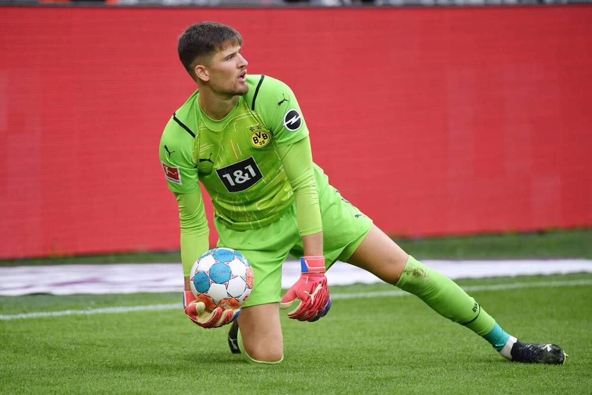 Beim Auswärtsspiel gegen Arminia Bielefeld erleidet der BVB den nächsten personellen Rückschlag. Keeper Gregor Kobel muss in der Halbzeit ausgewechselt werden.