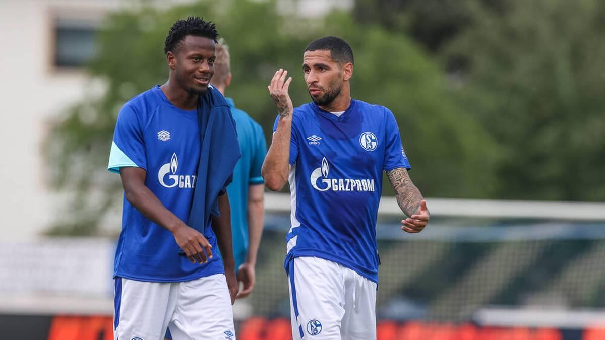 Hamza Mendyl (li.) verlässt Schalke 04