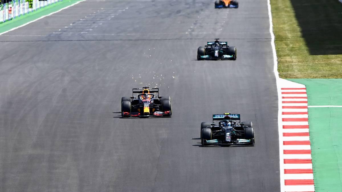 Lewis Hamilton trumpft im WM-Kampf auf und hält sich Max Verstappen vom Hals. Sebastian Vettel kann seine Ausgangsposition nicht nutzen, seine Flaute geht weiter.