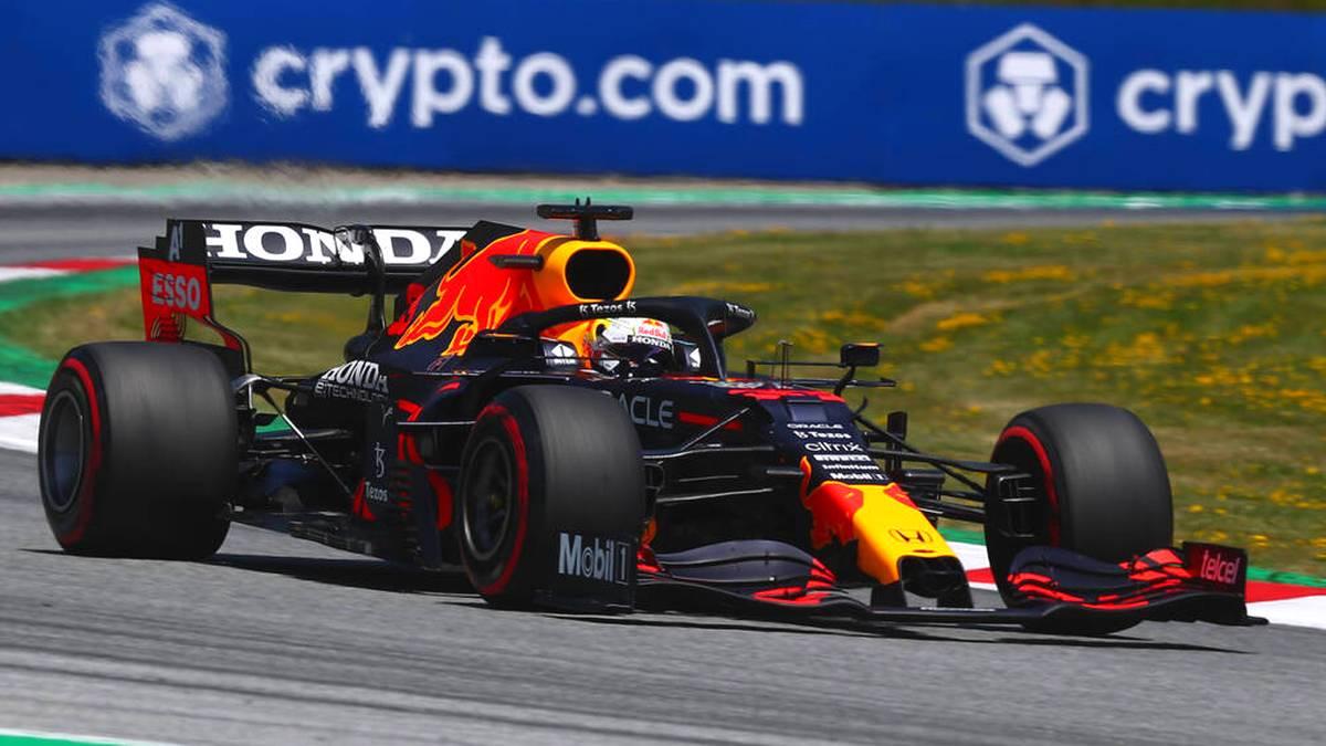 Max Verstappen ist ein weiterer Schritt in Richtung WM-Titel gelungen! Der Red-Bull-Pilot setzte sich beim Großen Preis von Österreich souverän vor Mercedes-Pilot Valtteri Bottas und McLaren-Fahrer Lando Norris durch.