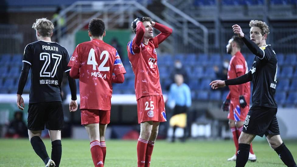 Nach dem Aus im DFB-Pokal gegen Holstein Kiel herrscht beim FC Bayern Aufruhr. Verspielen die Münchner jetzt alle Titel?