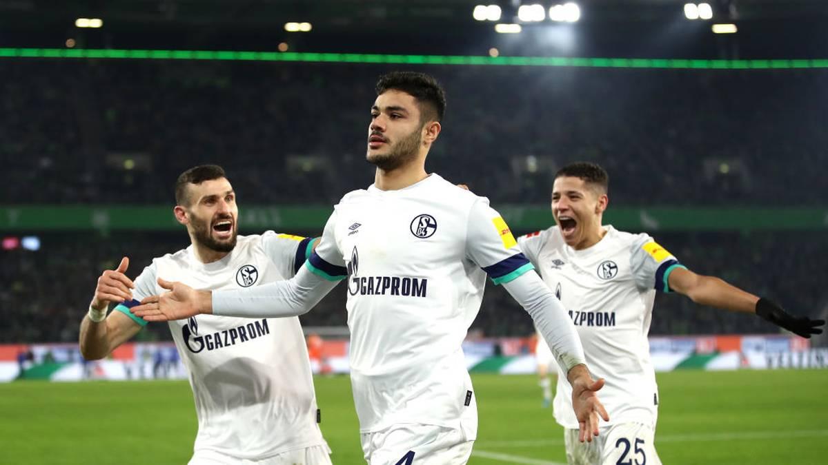 Jürgen Klopp möchte nach Joel Matip wohl erneut einen Innenverteidiger von Schalke 04 nach Liverpool holen. Wie die Bild berichtet, soll Ozan Kabak beim englischen Meister Dejan Lovren ersetzen, der kurz vor einem Wechsel zu Zenit St. Petersburg steht.