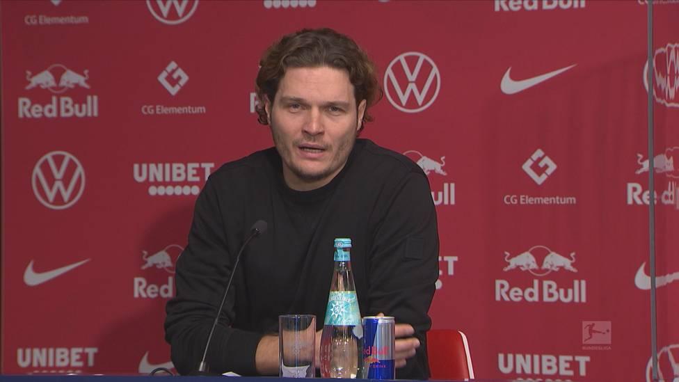 Borussia Dortmund meldet sich dank einer starken zweiten Halbzeit gegen RB Leupzig im Titelrennen zurück. BVB-Coach Edin Terzic erklärt nach Abpfiff, was er seinen Jungs zur Pause gesagt hat.