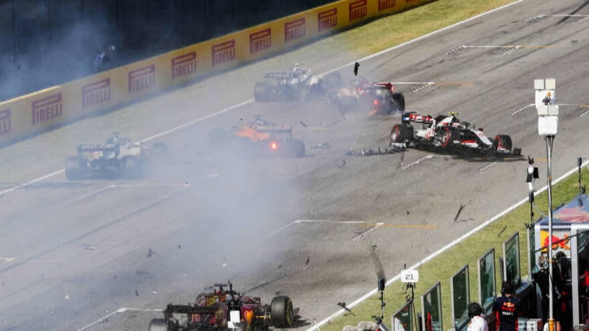 Lewis Hamilton hat den turbulenten Großen Preis der Toskana gewonnen. Der Führende der Gesamtwertung setzte sich vor Mercedes-Teamkollege Valtteri Bottas und Alexander Albon im Red Bull durch.