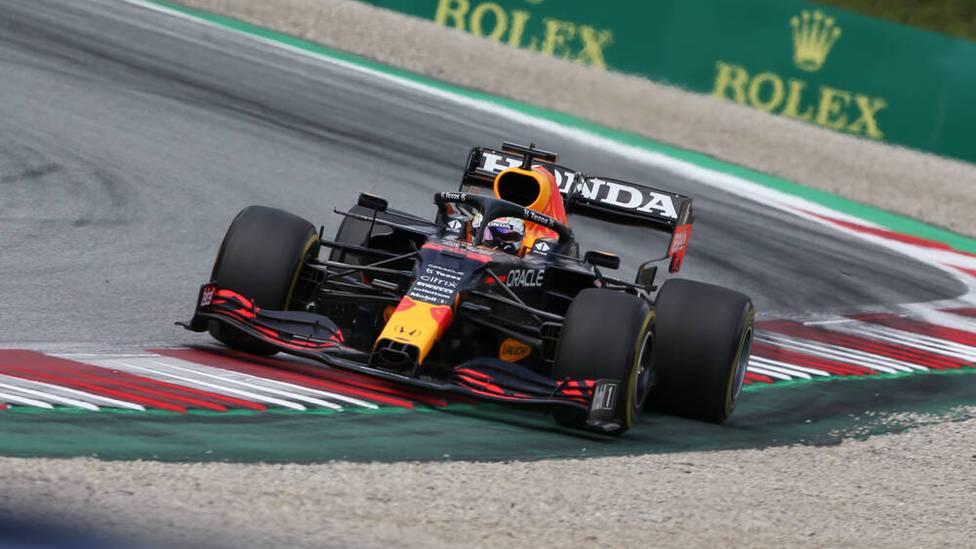 Max Verstappen bleibt in der Formel 1 derzeit das Maß der Dinge. Der Niederländer im Red Bull nutzte seine Pole-Position und feierte im achten Rennen bereits seinen vierten Sieg.