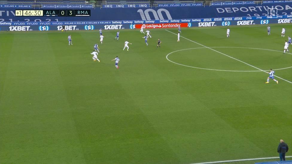 Nach der bitteren Pokal-Blamage findet Real Madrid bei Deportivo Alavés wieder in die Spur. Toni Kroos hat daran gleich mehrfach maßgeblichen Anteil.