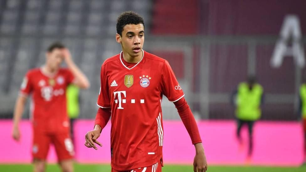 Bayerns Youngster Jamal Musiala ist endgültig in der Bundesliga angekommen. Nur seine Kopfballfähigkeiten nehmen seine Teamollegen noch nicht ganz ernst.